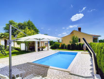 Pazin - Holiday House Semy