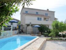 Medulin - Vacation House Franko (MDN185)