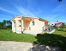 Pula/Rakalj - Holiday House Lory