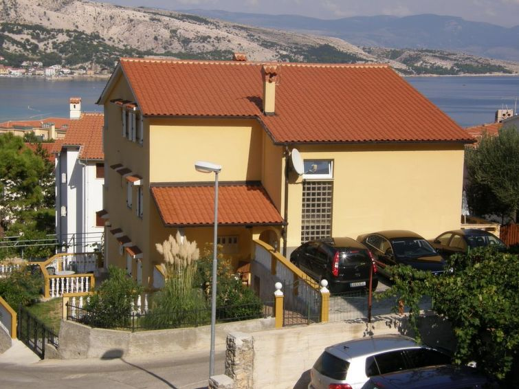 Holiday Apartment CAPIC ZAROK with internet and for mountain biking