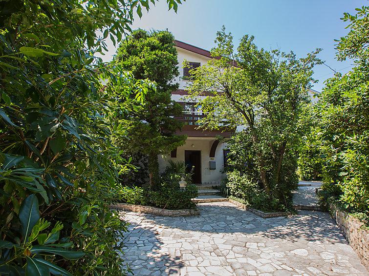 Holiday Apartment Ivana