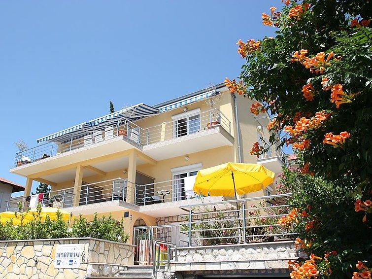 Holiday Apartment NOVOSELIC 4