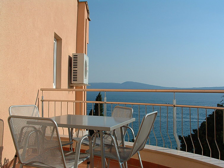 Holiday Apartment Vila Maslina with balcony and sea view