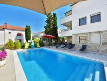 Starigrad-Paklenica - Holiday House Barbara
