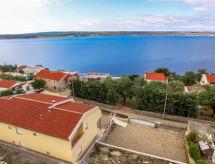 Ivan con terraza y para el senderismo