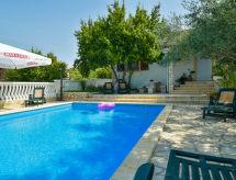 Obrovac - Maison de vacances Villa Ana