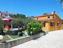 Ugljan/Ugljan - Vakantiehuis Villa Marija (UGL305)