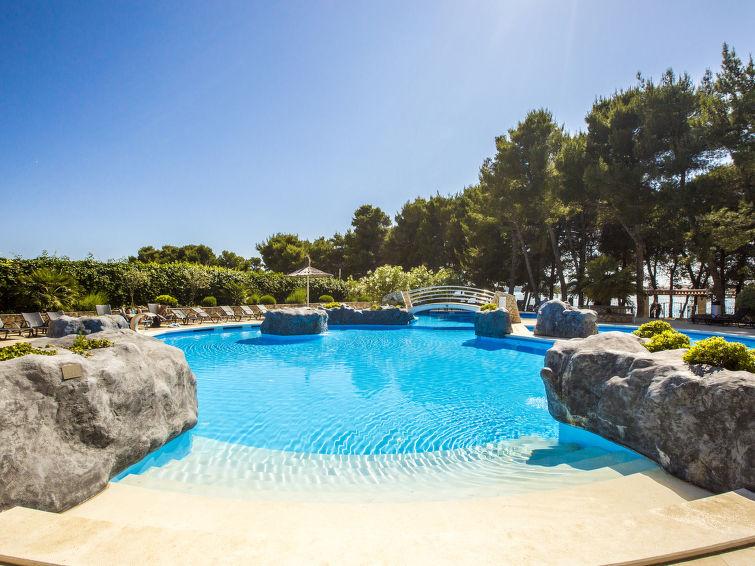 Ferielejlighed Matilde Beach Resort med pool og til tennis