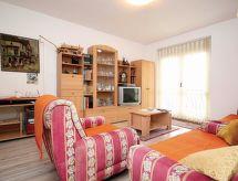 Drniš - Casa de vacaciones Rajka