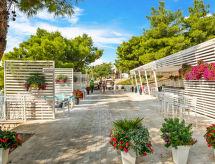 Trogir/Vranjica - Vakantiehuis Camping Belvedere