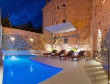Villa Majestic szaunával és a pezsgőfürdővel