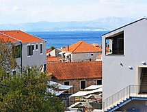 Kala Mendula mit Terrasse und Internet