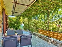 čika con terraza y internet