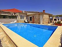 Villa Ivana mit Ofen und Waschmaschine