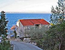 Antun con recinzioni und convista sul mare