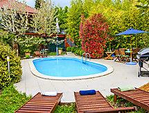 Villa Balich mit Pool und geeignet für BBQ