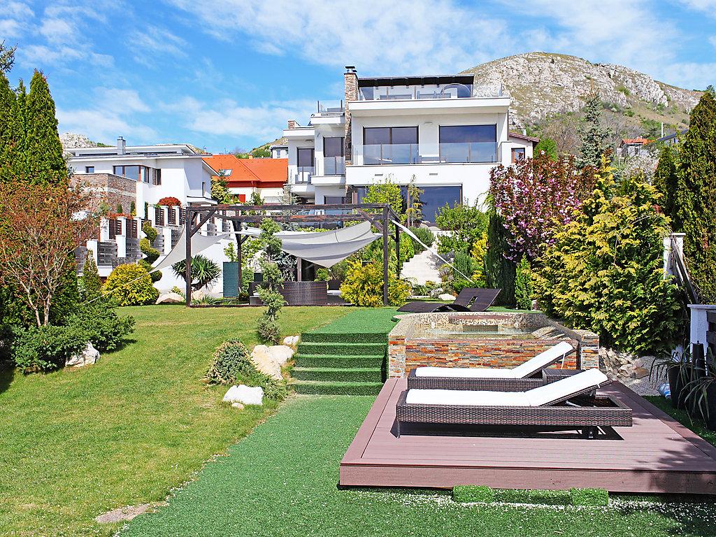 luxus ferienhaus ferienwohnung in ungarn buchen. Black Bedroom Furniture Sets. Home Design Ideas