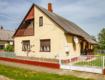Keszthely/Balatonkeresztur - Vakantiehuis Balaton H505