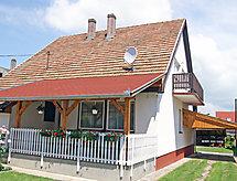 Balaton A408 con tenis de mesa y oportunidades de vela