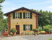 Pino Torinese - Holiday House Ferienhaus mit Pool (PON100)