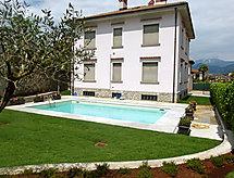 Villa Alda mosógéppel és kerítések