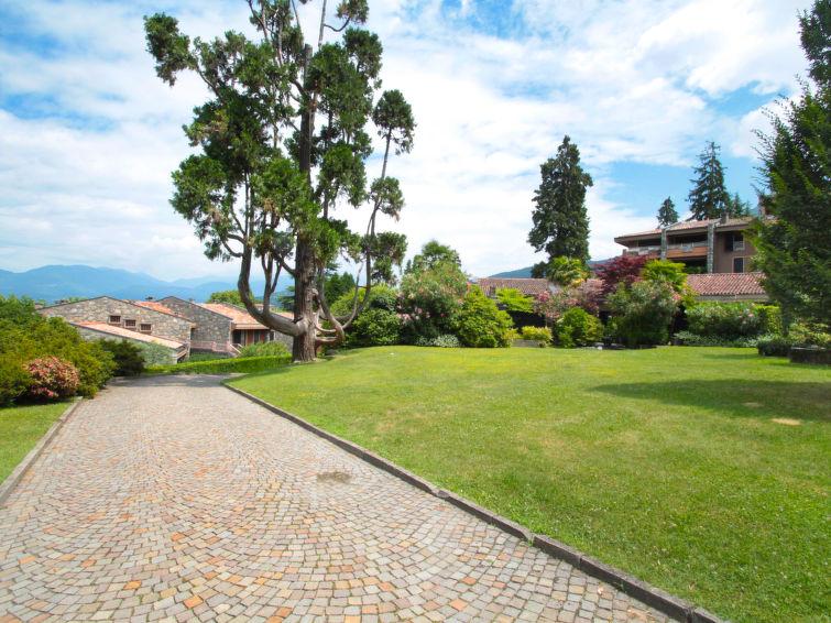 Ferielejlighed Hermitage med terrasse og ovn