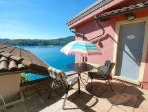 Casa sul lago con doccia und parcheggio