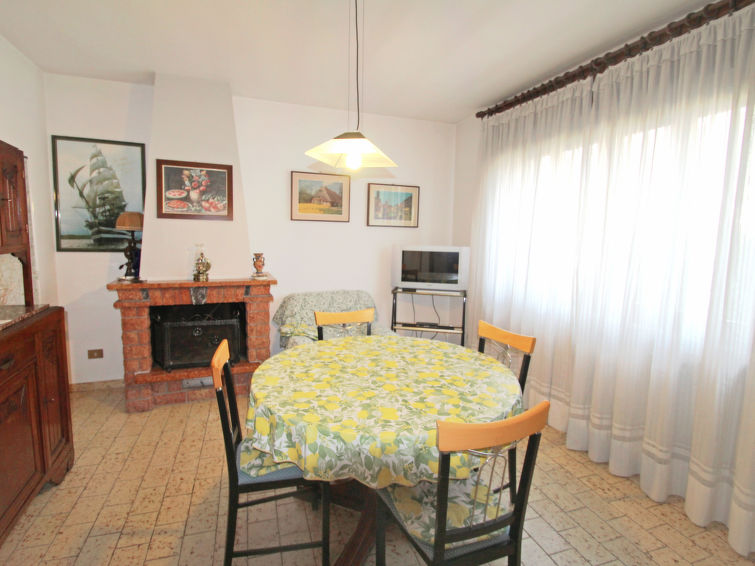 Porlezza accommodation chalets for rent in Porlezza apartments to rent in Porlezza holiday homes to rent in Porlezza