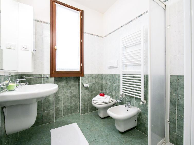Porlezza accommodation villas for rent in Porlezza apartments to rent in Porlezza holiday homes to rent in Porlezza
