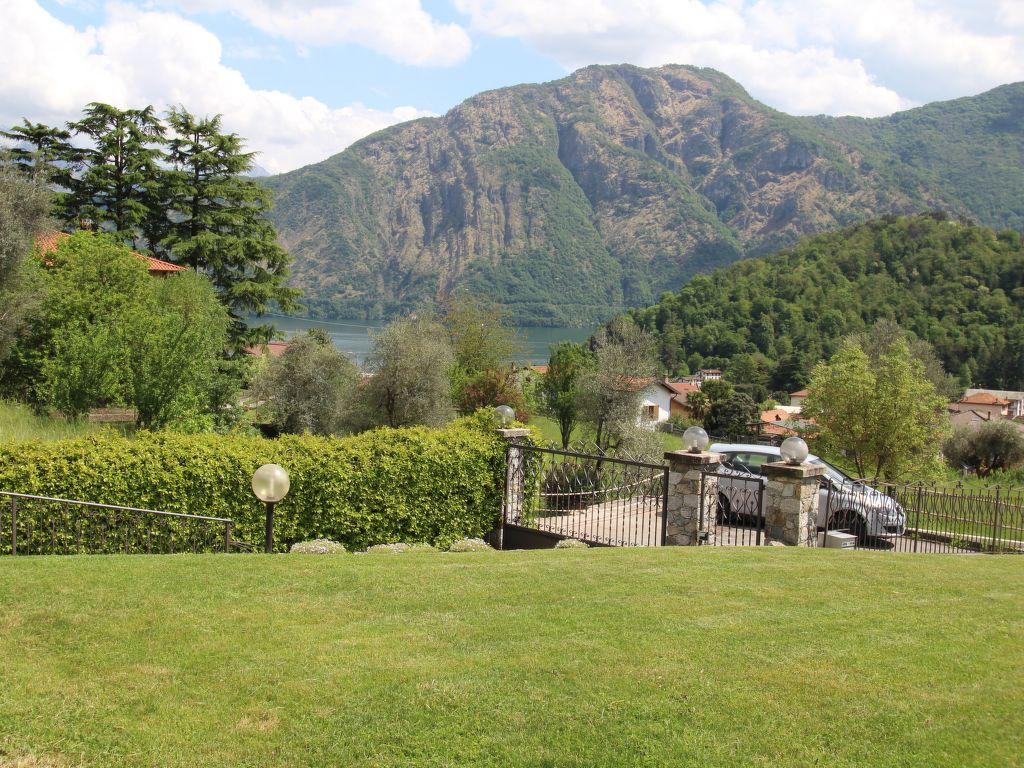 Casa di vacanza lenno lago di como for Piani di casa vacanza lago