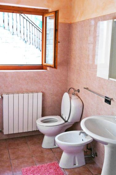 Vakantiehuis Flavio (8p) op 6 km van het Comomeer, Italie (I-774)