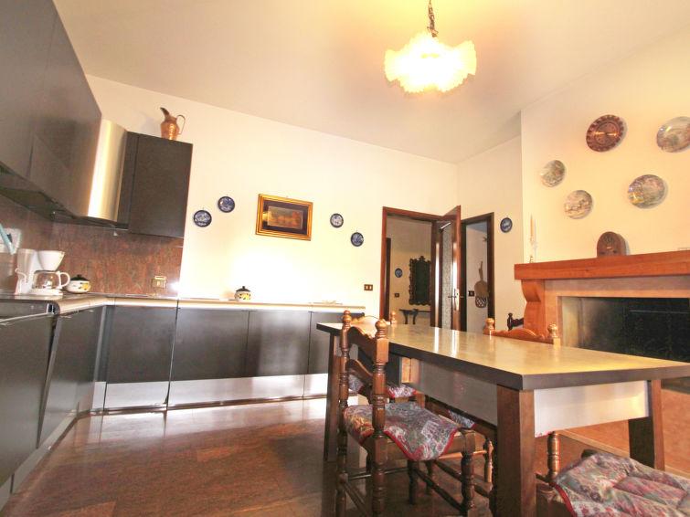 Apartment 3 rooms Alessandra (6p) with swimmingpool at Lake Garda, Italy (I-734)
