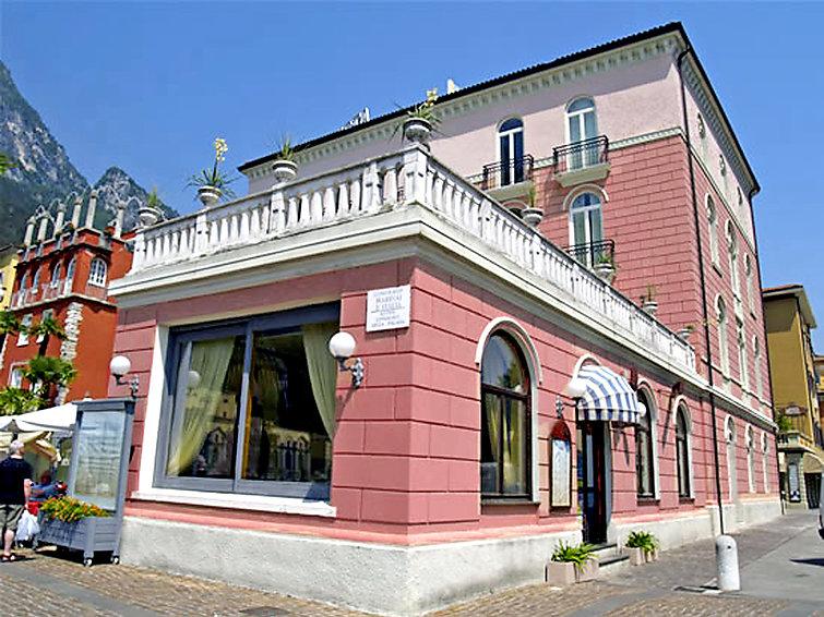 2 kamer appartement Bellavista in Aparthotel met wellness aan het Gardameer in Italie (I-747)