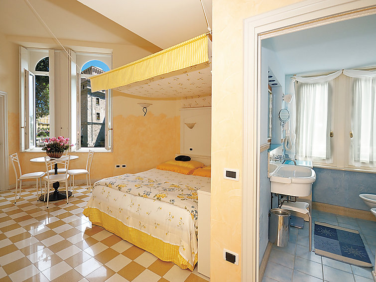 3 rooms apartment Aparthotel Bellavista (6p) with wellness at Lake Garda and nearby the beach (I-742)