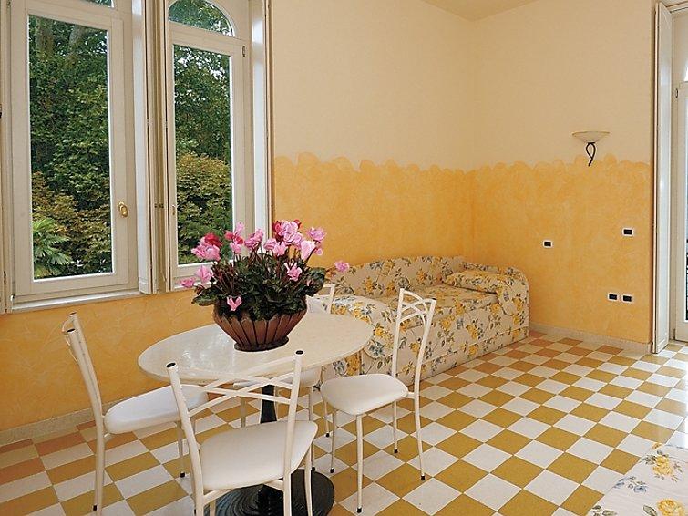 Aparthotel Bellavista (2p) direct aan het Gardameer met wellness in Italie (I-746)