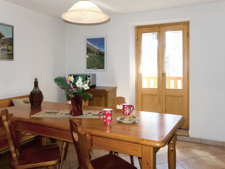 Courmayeur accommodation chalets for rent in Courmayeur apartments to rent in Courmayeur holiday homes to rent in Courmayeur