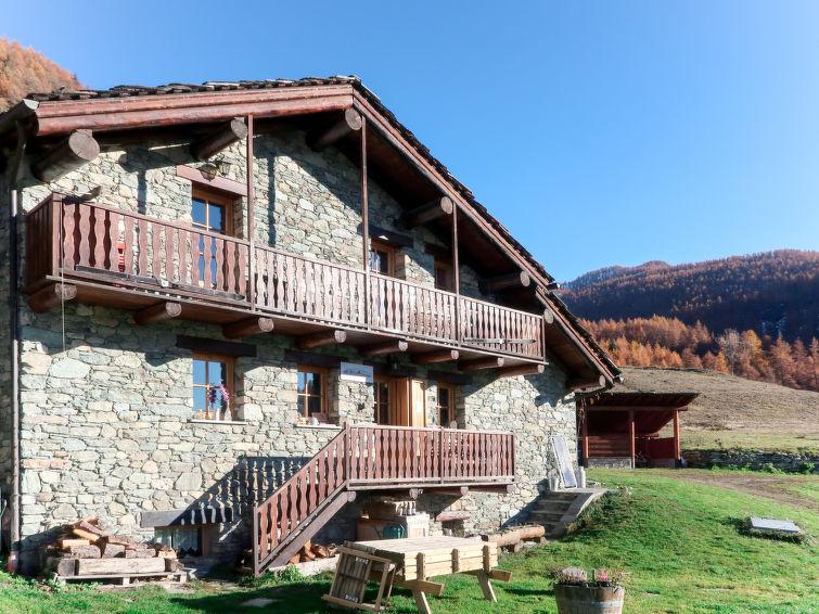 Maison de Suis (VOU301) Accommodation in Valtournenche