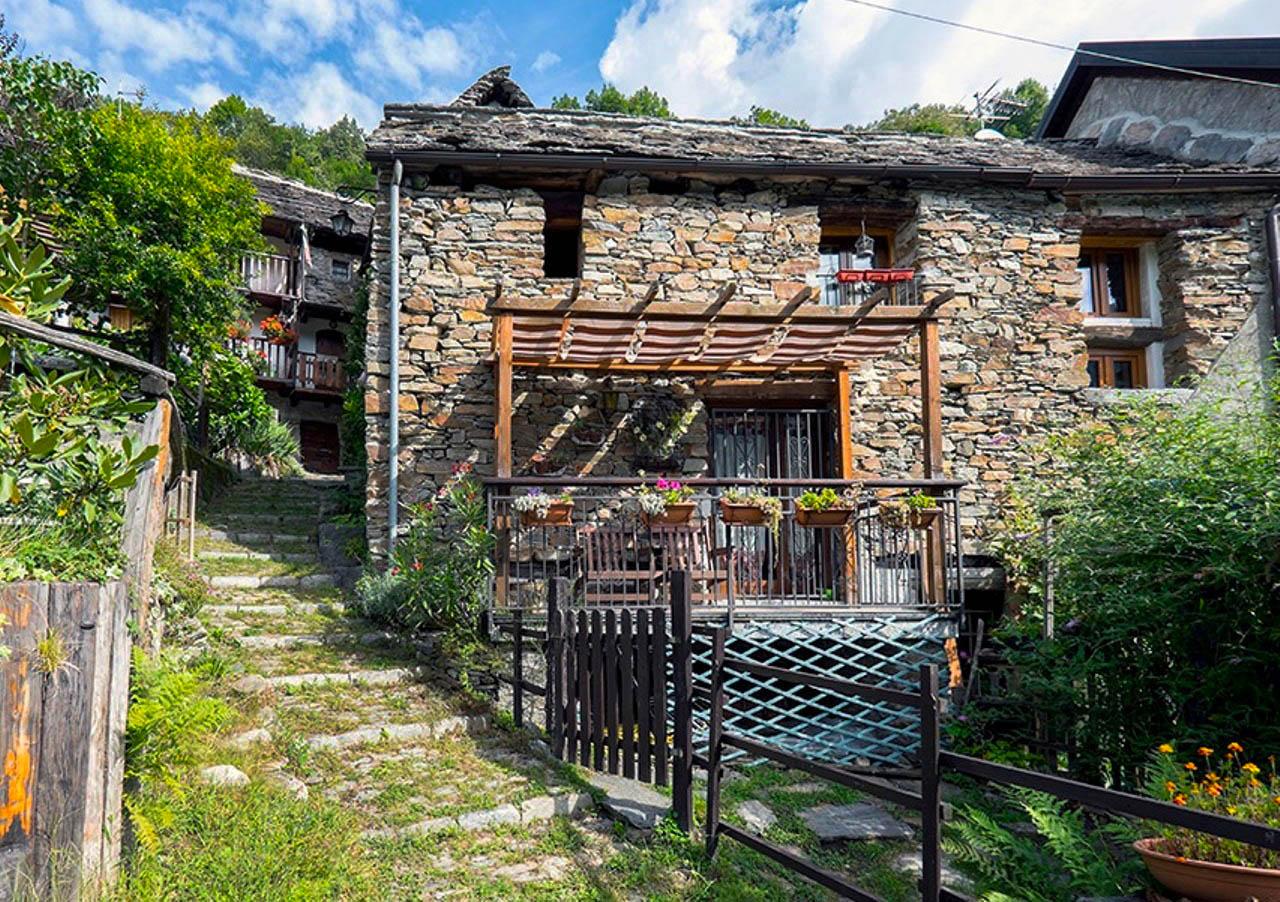 Casa val bognanco a bognanco italia interhome - Casa vacanza con giardino privato liguria ...