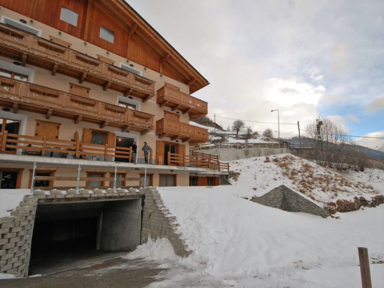 Slide3 - Casa Sascin