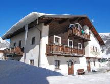 Living dağ yürüyüşü için ve yakınında kayak alanı