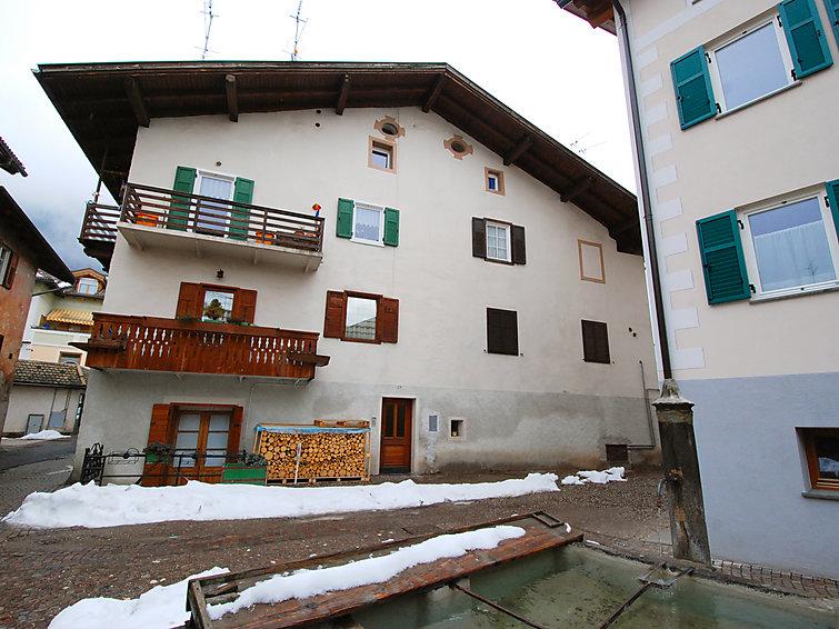 Case Di Montagna Predazzo : Appartamento garibaldi a predazzo it  interhome