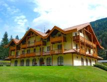 Holidays Dolomiti avec télévision et pour faire du snowboard