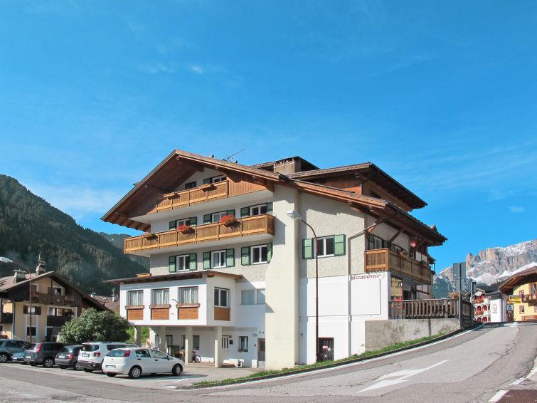 Campitello di Fassa accommodation chalets for rent in Campitello di Fassa apartments to rent in Campitello di Fassa holiday homes to rent in Campitello di Fassa