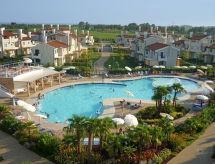 Villaggio A Mare mit Whirlpool und Parkplatz