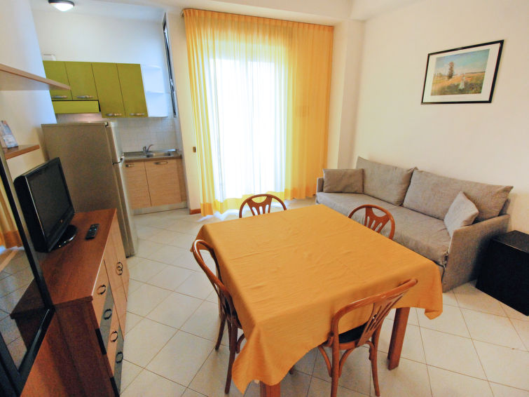 2 kamer appartement Angeli (4p) met balkon en aan zee in Rimini Italie (I-759)
