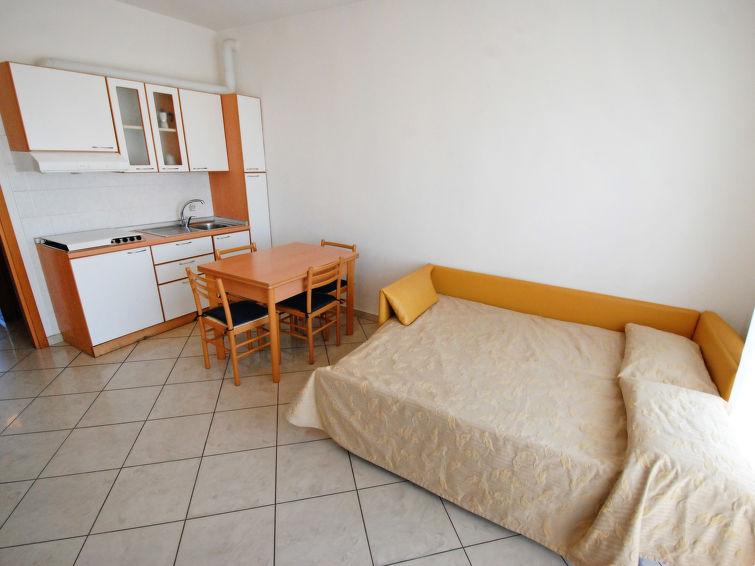 Ferienwohnung piccadilly in rimini italien it4510.250.2 interhome