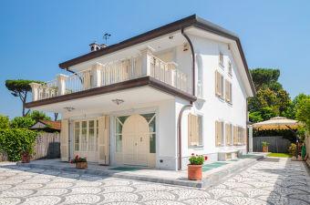 Wonderbaarlijk Vakantiehuizen & villa's in Italië | Interhome FC-74
