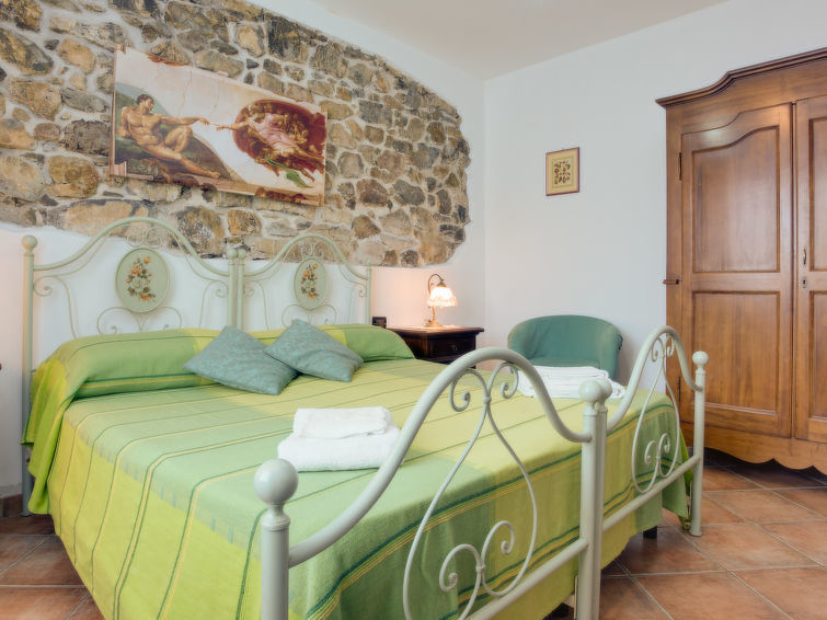 Luxurious groupsaccommodation La Fenice for 16 persons with private swimmingpool (I-717)
