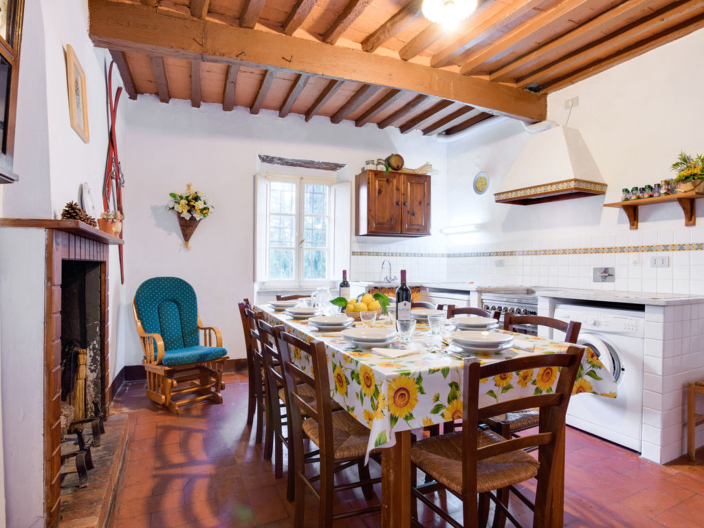 ferienhaus barga 9 personen italien toskana 12543. Black Bedroom Furniture Sets. Home Design Ideas