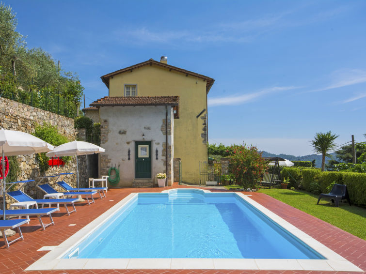 Casa Casa Di Nena A Camaiore It51951801 Interhome
